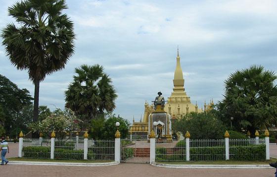 Пха Тхат Луанг (Pha That Luang) - символ религии и суверенитета Лаоса